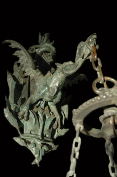 Bronze wall Lantern with fabulous dragon bracket 2