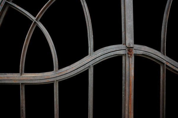french-iron-gate_05-600x398