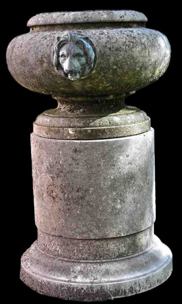 lion_head_urn_and_pedestal_front_l