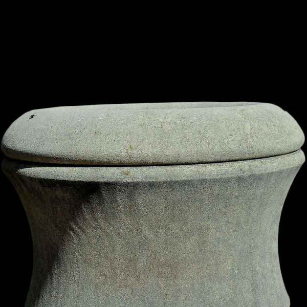 simple_limestone_urn_top_l