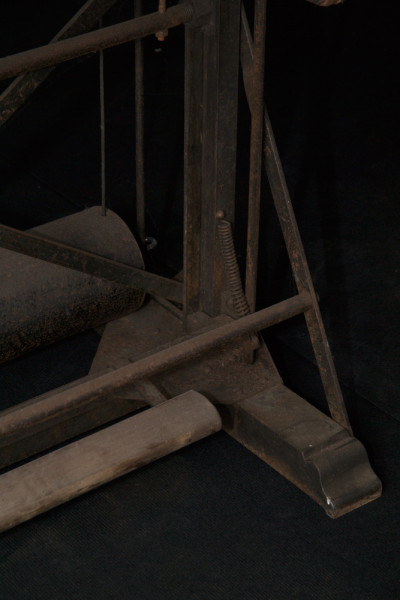 A10-Antique-drafting-table-3