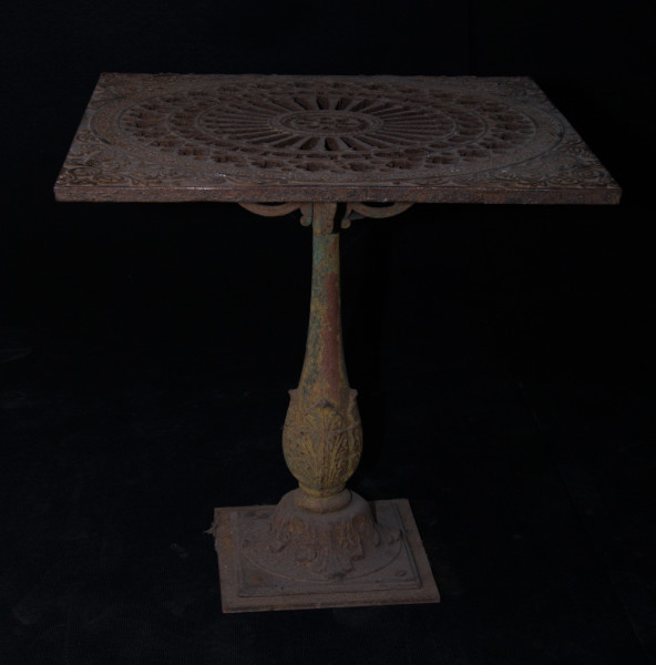 A7-Cast-iron-garden-table-1