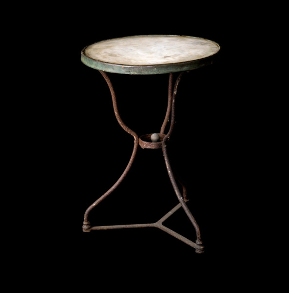 A37_Old-Bistro-Table_1-Recovered